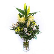 Vysoká vazba elegantní královské lilie s růžemi