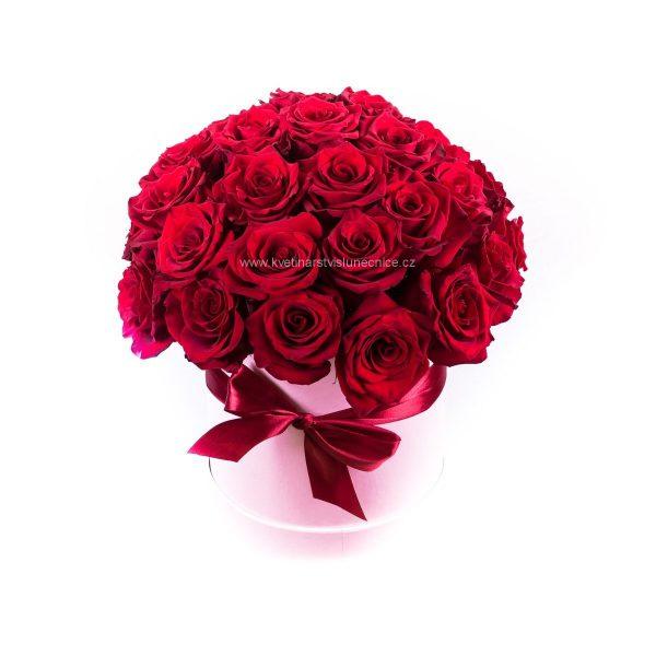Flower box s 30ks červených růží